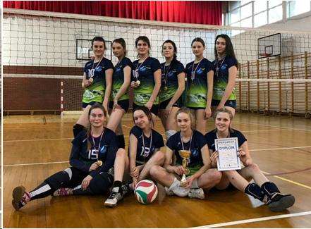 Złoty medal dla naszej drużyny w Mistrzostwach Dzielnicy w piłce siatkowej